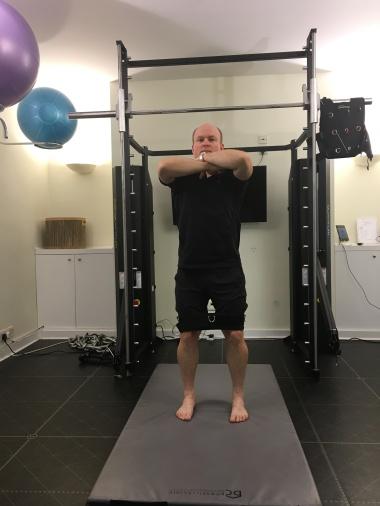 belt-squat
